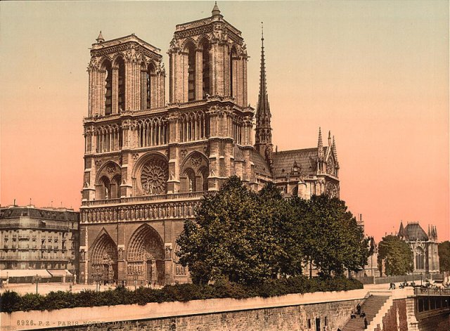 Photo, historical · Notre Dame Cathedral · Paris, France